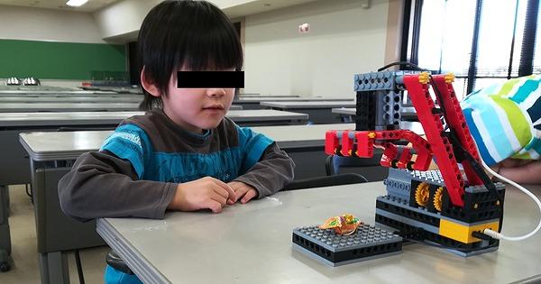 ヒューマンアカデミーロボット教室で作っているクレーンロボ