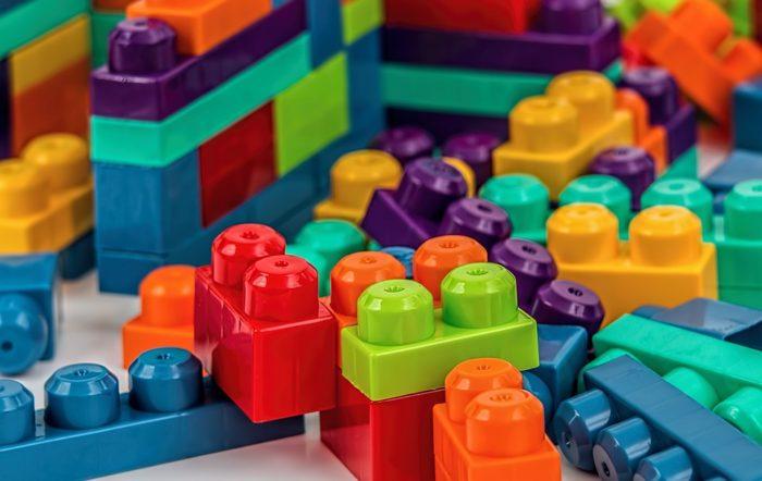 アーテックは学校教材、教育玩具の製造販売メーカー