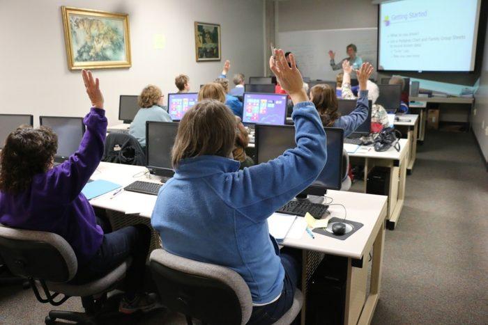 教室で学ぶのも面白い!アーテックエジソンアカデミー